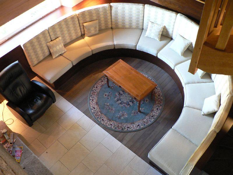 Création coussins assises et dossiers canapé demi lune